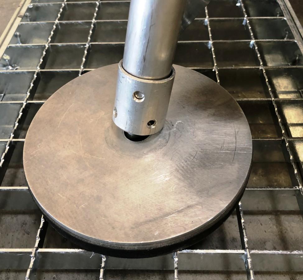 Fußplatte mit Gummiauflage für Motagetritte